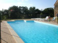 Alleenstaande vakantiewoning met zwembad te huur voor vakantie in de zwarte perigord - Zwarte voering voor zwembad ...
